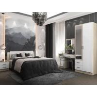 Спальня Софи с макияжным столом